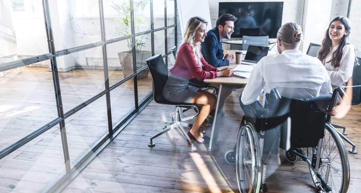 Cadeira elevatória ou plataforma de acessibilidade?