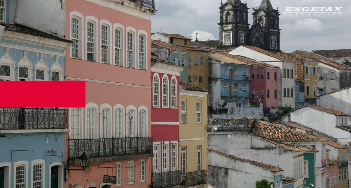 Arquitetura Popular Brasileira e Autoconstrução Assistida
